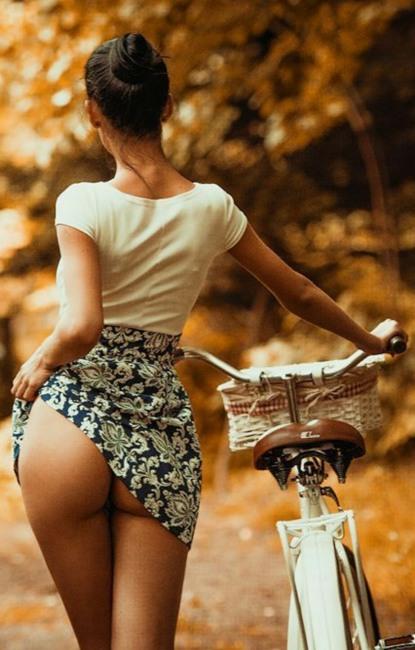 Фото прикол  про велосипедистів та сідниці