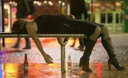 Фото прикол  про дівчат та п'яних