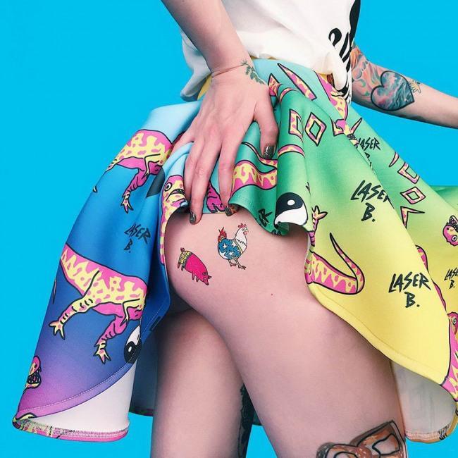 Фото прикол  про татуювання та сідниці