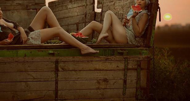 Фото прикол  про кавун, село та еротику