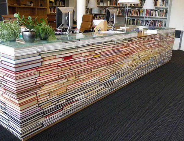 Фото прикол  про книги та бібліотеку