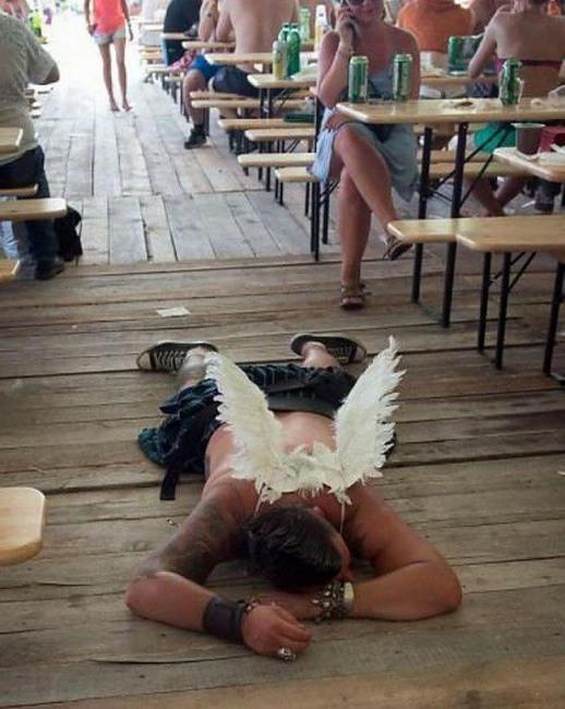 Фото прикол  про янголів та п'яних