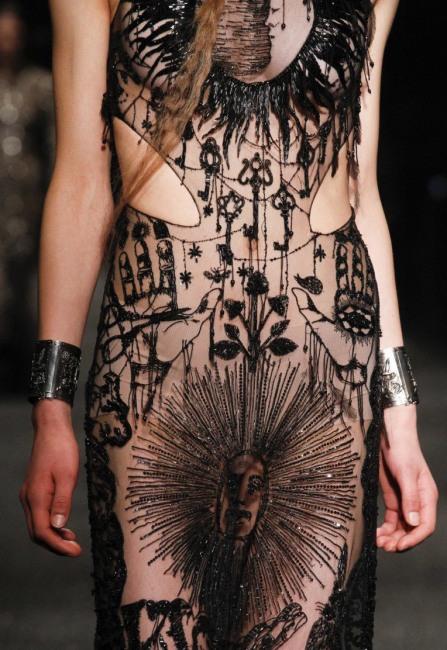 Фото прикол  про сукню та еротику
