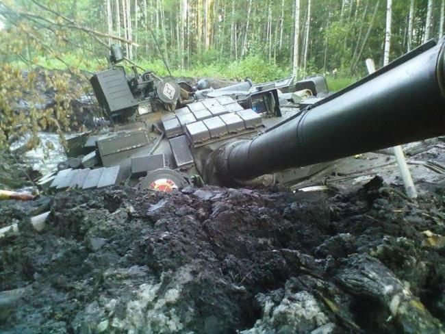 Фото прикол  про танк та бруд