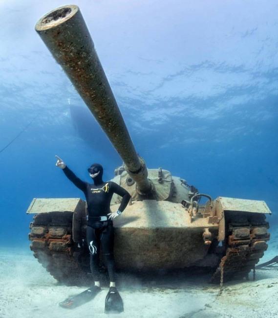 Фото прикол  про танк та водолазів