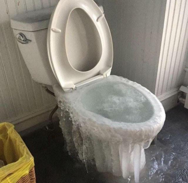 Фото прикол  про унітаз, лід та холод