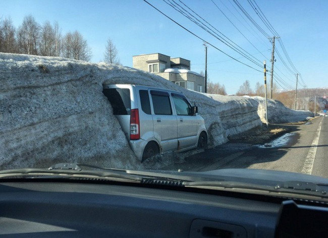Фото прикол  про сніг та автомобілі