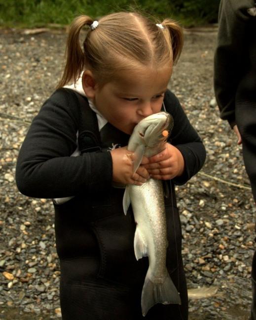 Фото прикол  про дітей та рибу