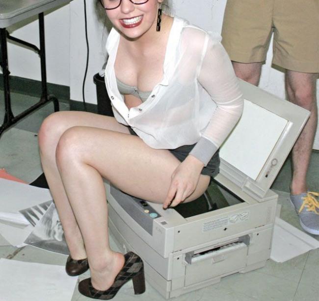 Фото прикол  про секретарку, ксерокс вульгарний