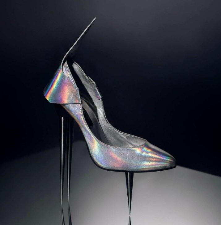 Фото прикол  про каблуки та взуття