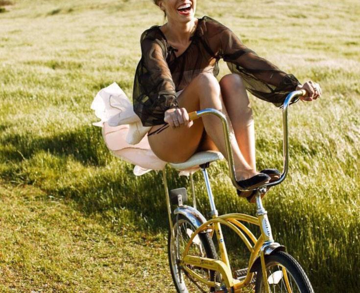 Фото прикол  про велосипедистів та засвітила