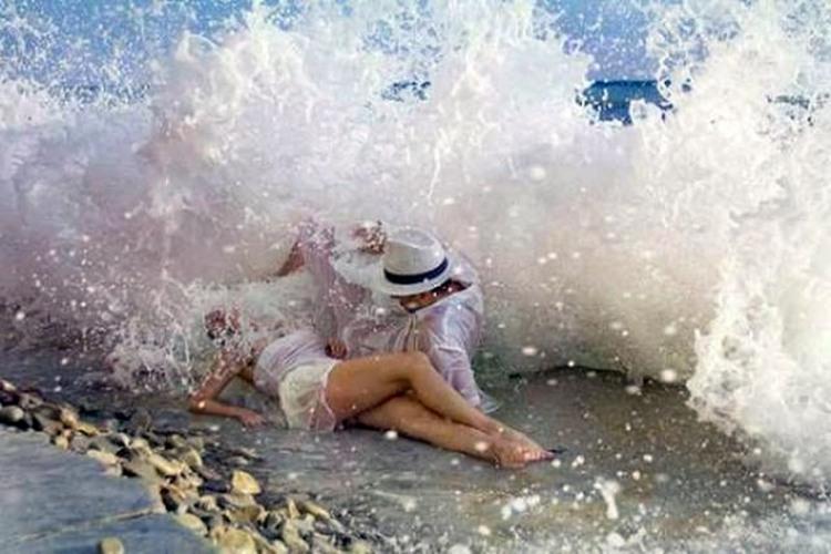 Фото прикол  про хвилю
