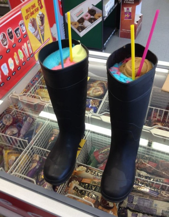 Фото прикол  про морозиво та чоботи