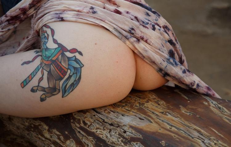 Фото прикол  про лицарів, сідниці вульгарний