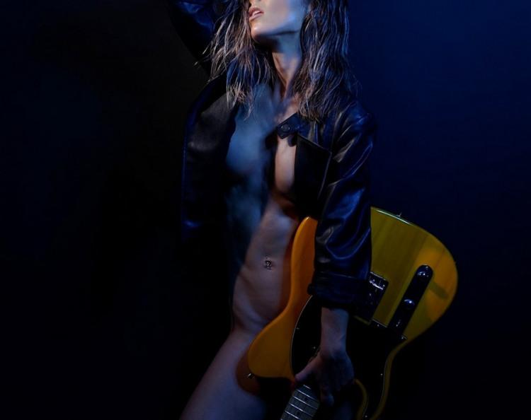 Фото прикол  про еротику, гітару вульгарний