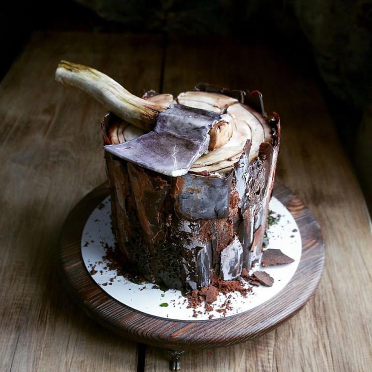 Фото прикол  про торт та сокиру