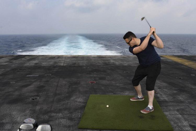 Фото прикол  про гольф та кораблі