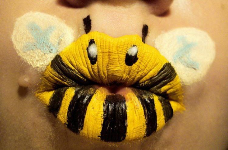 Фото прикол  про губи та бджіл
