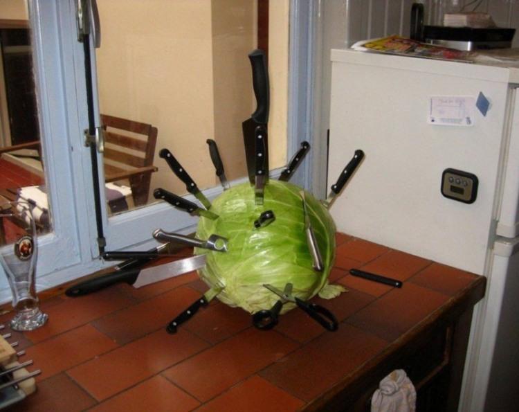 Фото прикол  про капусту та ніж