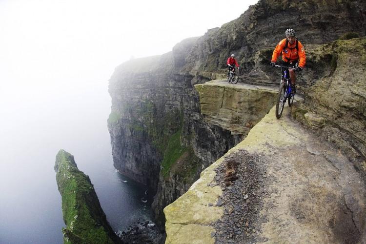 Фото прикол  про велосипедистів та екстрім