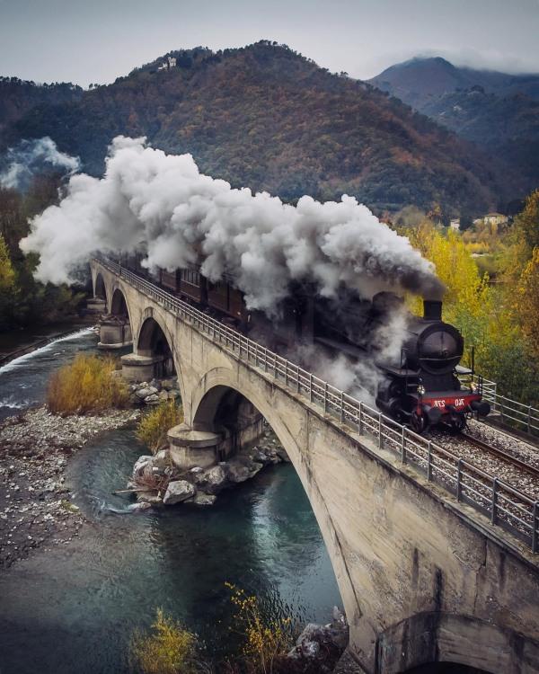 Фото прикол  про паровоз