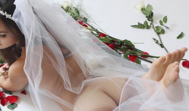 Фото прикол  про наречену, роздягнених людей, прозорість, фату вульгарний