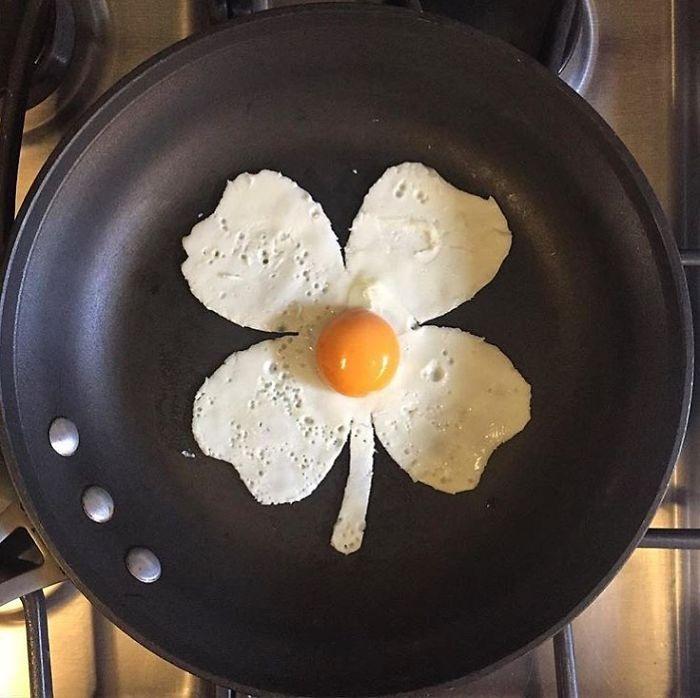 Фото прикол  про яйця, квіти та їжу