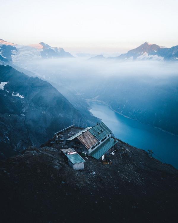 Фото прикол  про гори та мою хату з краю