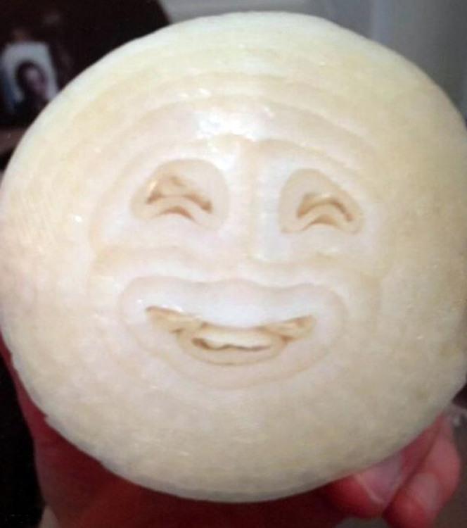 Фото прикол  про цибулю, усмішку гра уяви