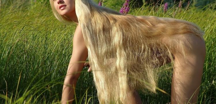 Фото прикол  про білявок, роздягнених людей, волосся вульгарний