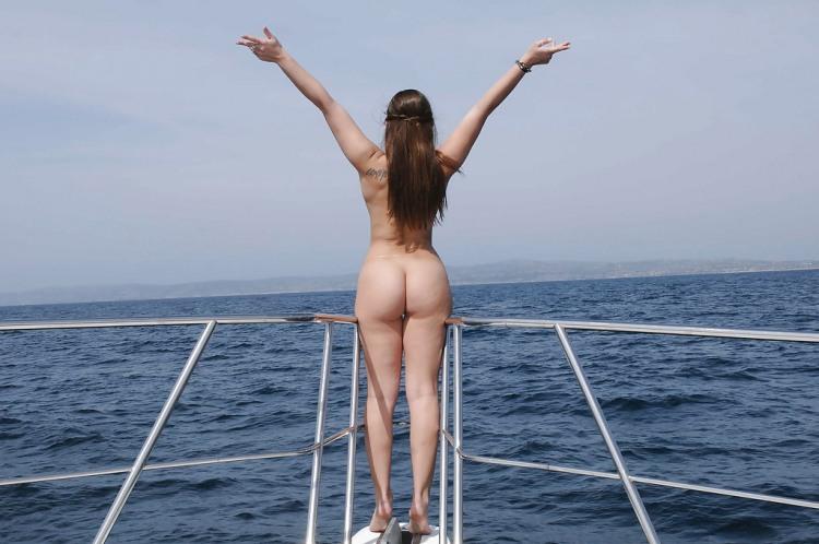 Фото прикол  про дівчат, роздягнених людей, свободу вульгарний