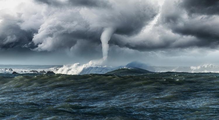Фото прикол  про шторм