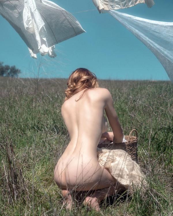 Фото прикол  про дівчат, роздягнених людей, білизну вульгарний