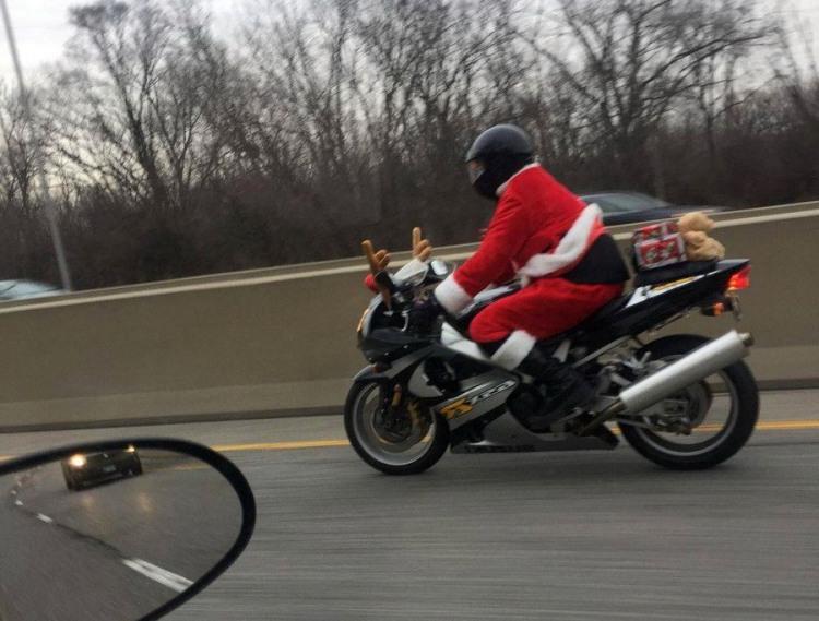 Фото прикол  про санта клауса та мотоциклістів