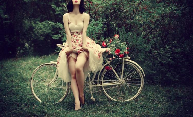 Фото прикол  про спокушання, велосипедистів вульгарний
