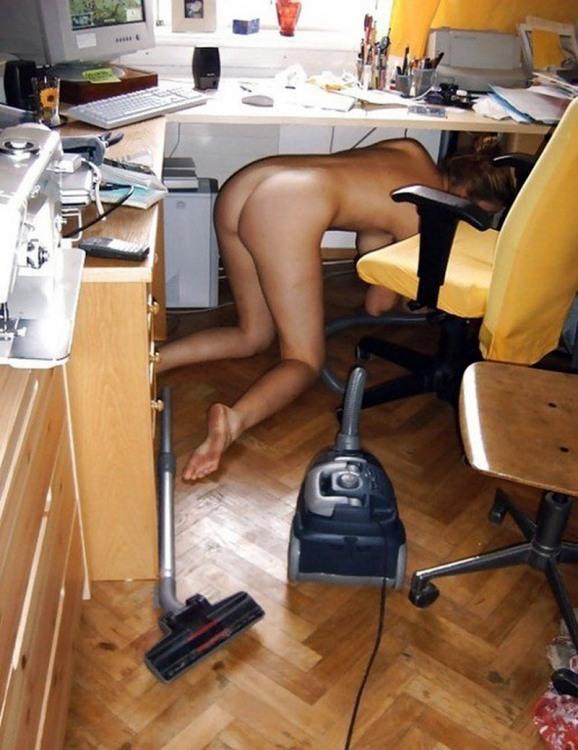 Фото прикол  про роздягнених людей, дівчат, прибирання вульгарний