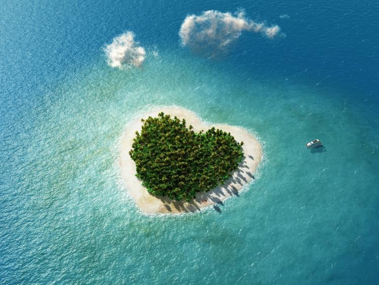 Фото прикол  про безлюдний острів та валентинку
