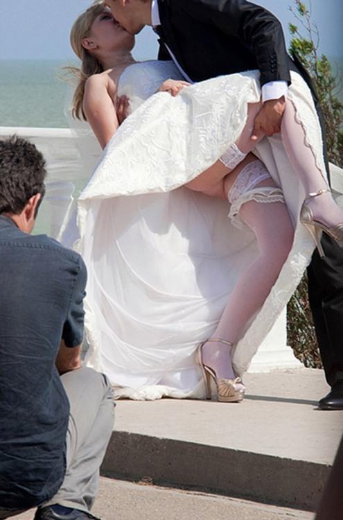 Фото прикол  про наречену, поцілунки, засвітила вульгарний