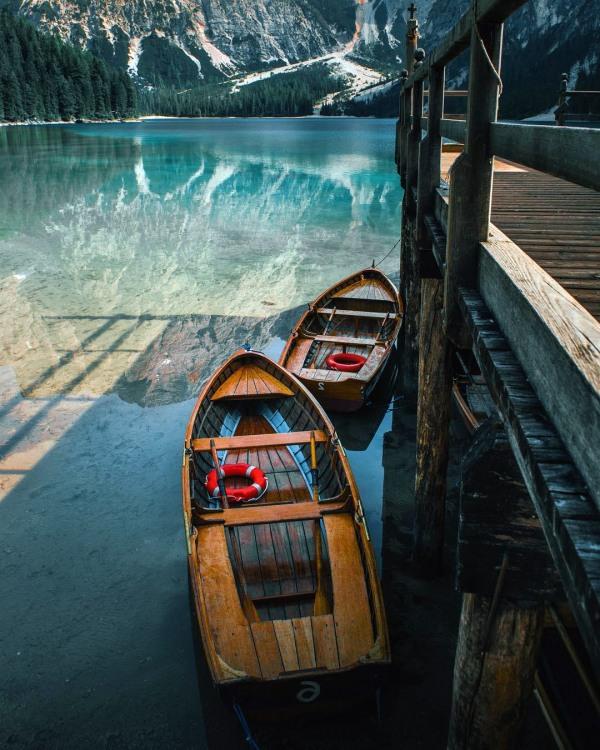 Фото прикол  про озеро та човен