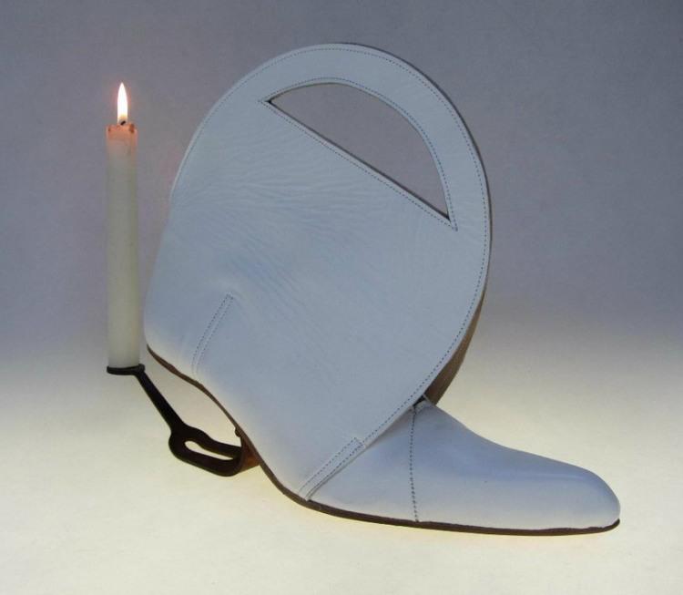 Фото прикол  про свічки та взуття