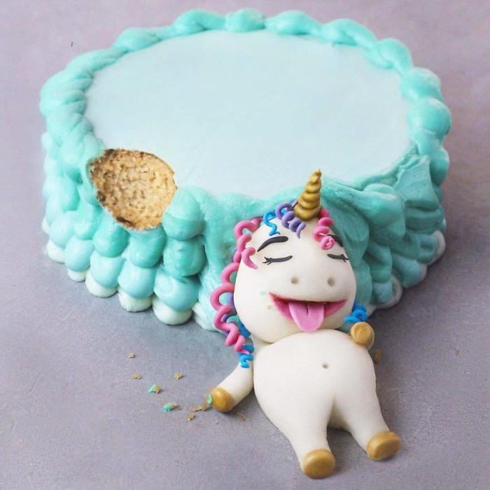 Фото прикол  про торт та єдинорогів