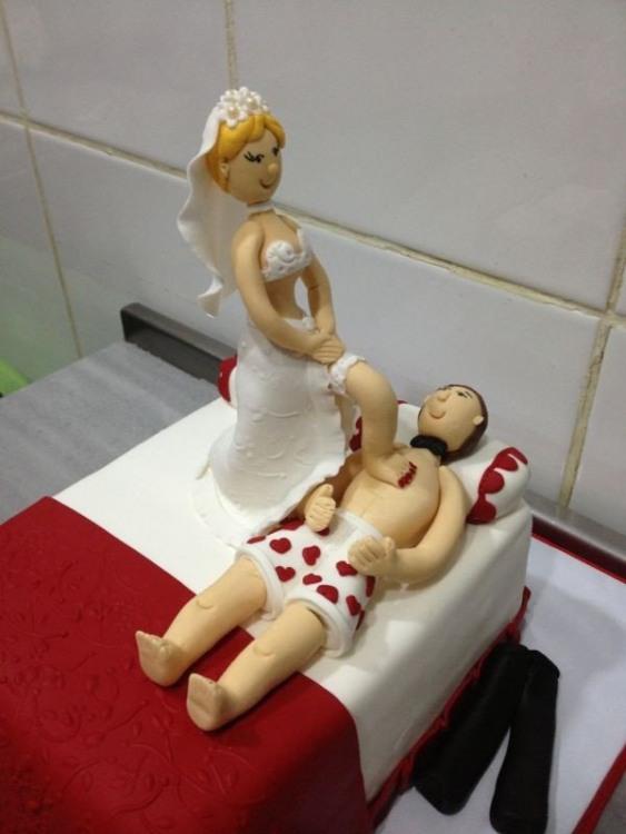 Фото прикол  про торт, весілля та першу шлюбну ніч