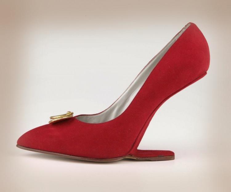 Фото прикол  про взуття та каблуки