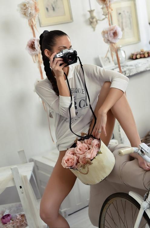 Фото прикол  про фотографів, троянду та дівчат
