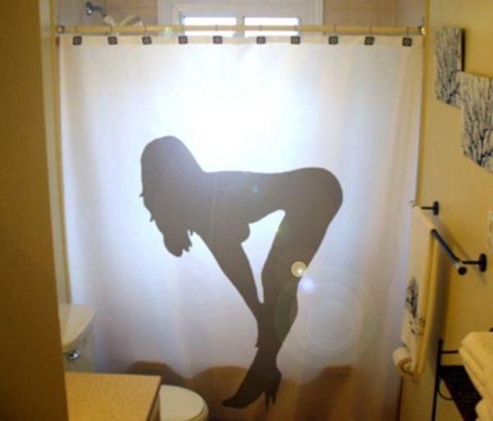 Фото прикол  про ванну та штори