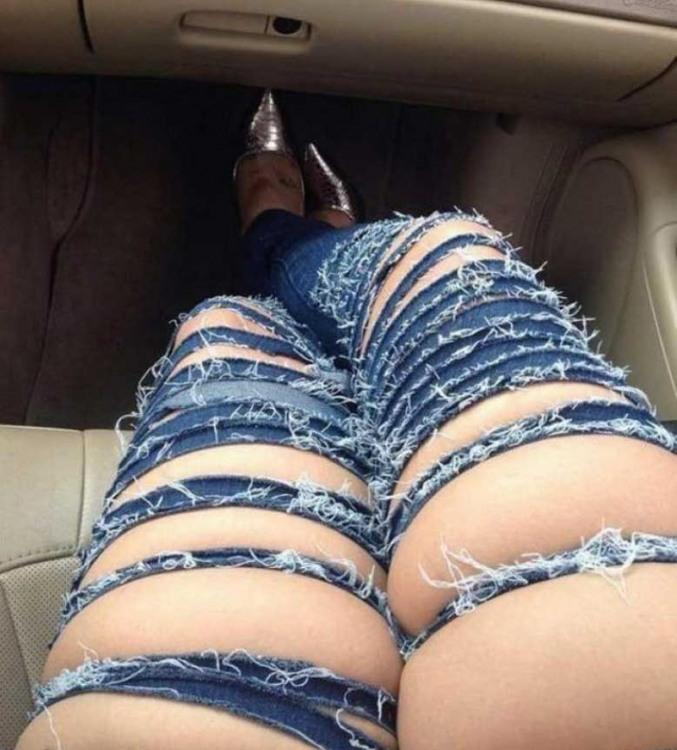 Фото прикол  про джинси та дірку