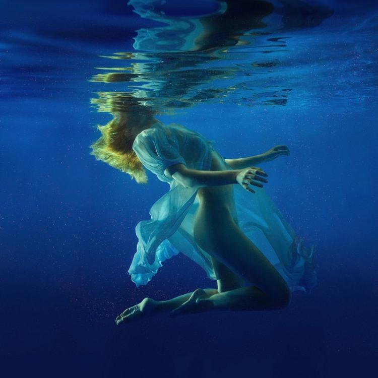 Фото прикол  про дівчат, плавання та еротику