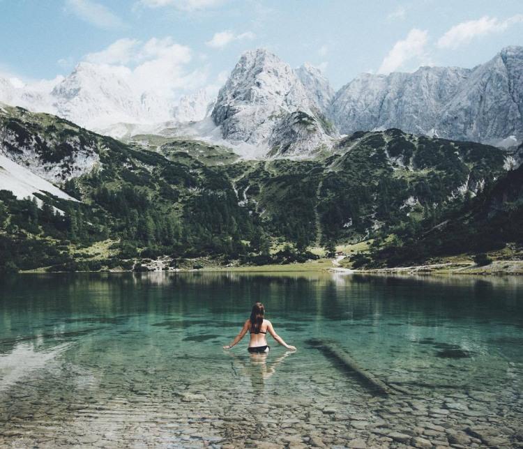 Фото прикол  про гори, озеро та купання