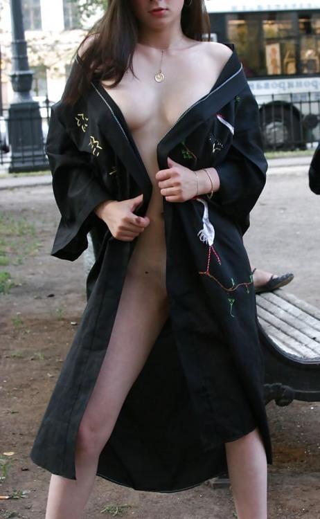 Фото прикол  про ексгібіціонізм, дівчат вульгарний