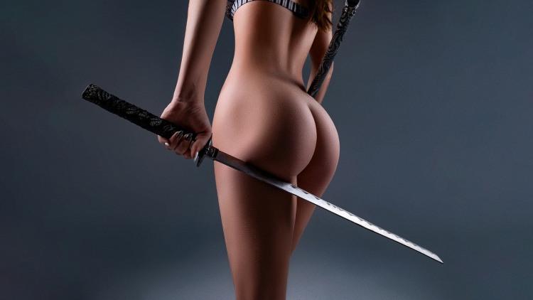 Фото прикол  про меч, сідниці та еротику